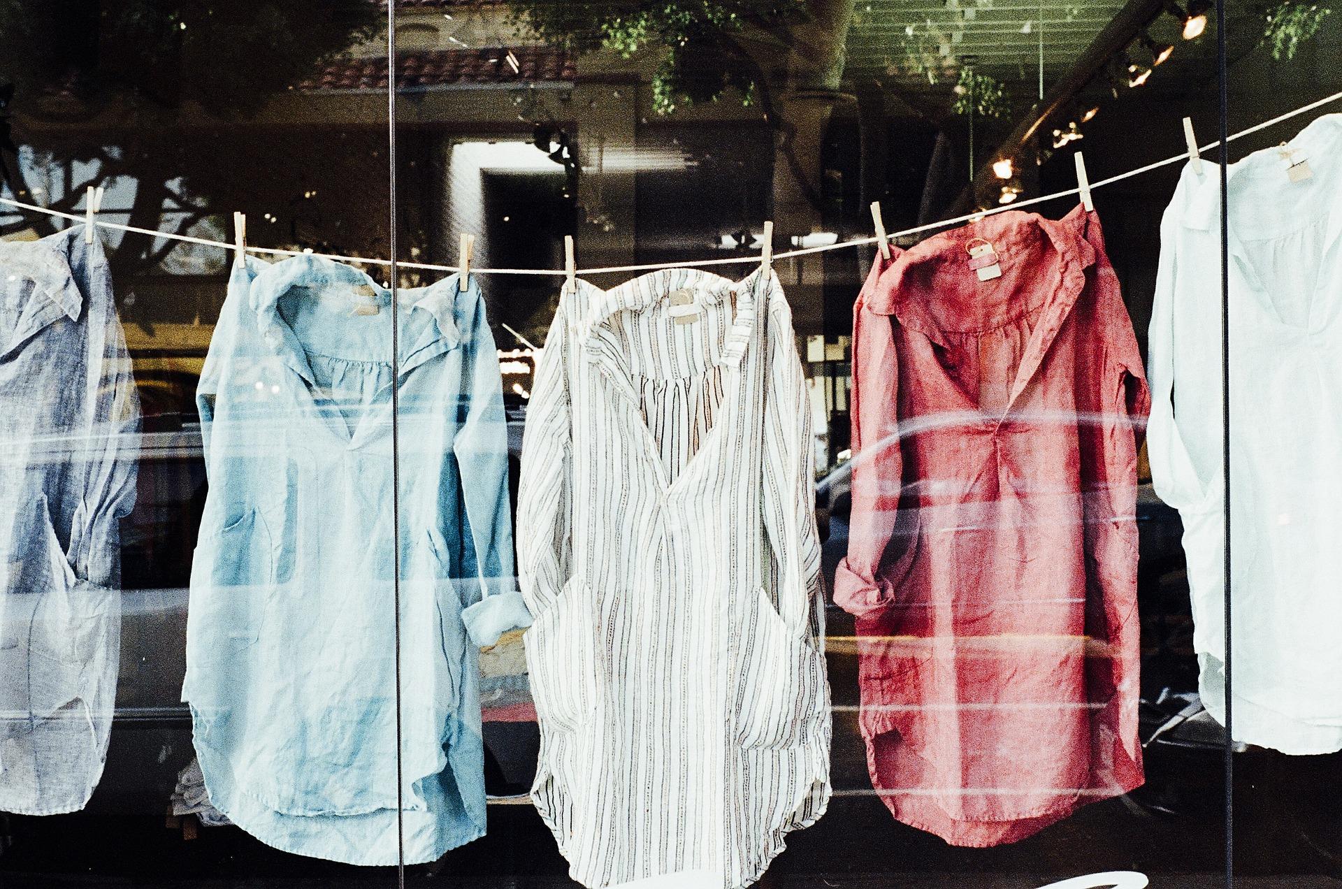 Im Trend: Stehkragen Bluse